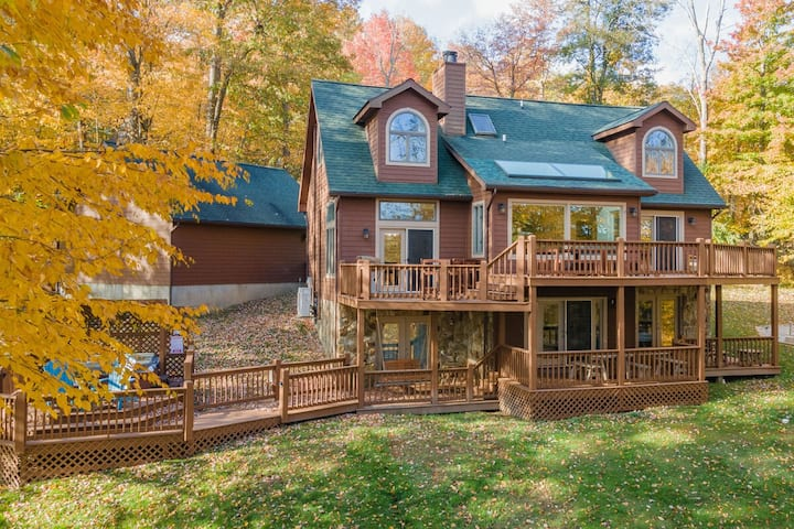 NEW! Lake Access Home w/Hot Tub, Pool Table, Fire Pit, & 2 Wood Fireplaces!