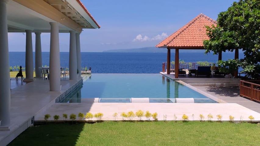 Amazing Ocean view Luxury Suite (BR-1)