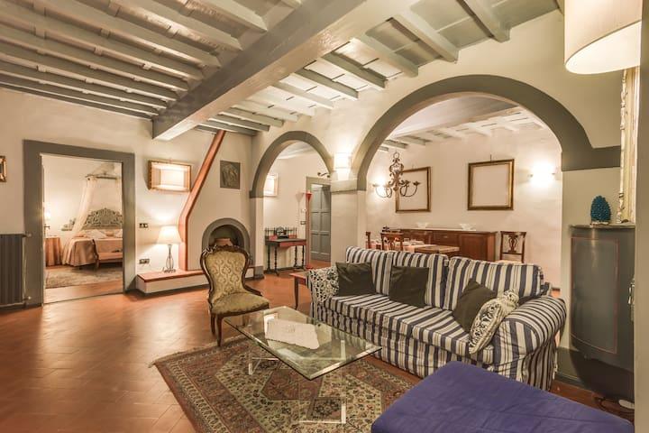 Tornabuoni suite 2BDR 2BTH - Firenze - Apartment