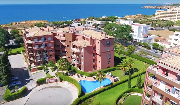 LMD17-Beautiful apartment with pool by the beach!