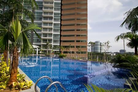Beautiful Pool View Loft Apartment - Singapur - Loft
