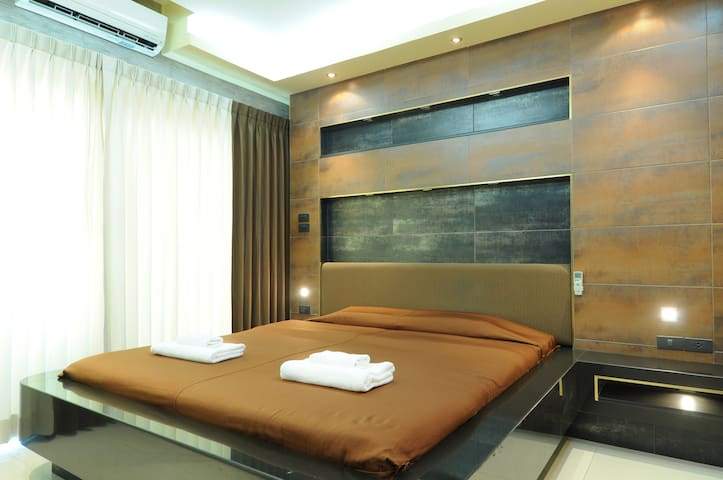 Three-room apartment with two bathrooms