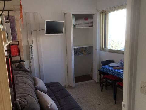 Petit Studio quartier résidentiel centre Hyères