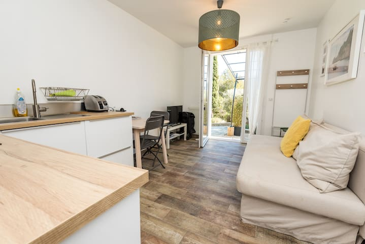 2/4pers - 1 chambre, cuisine, sdb avec jardin