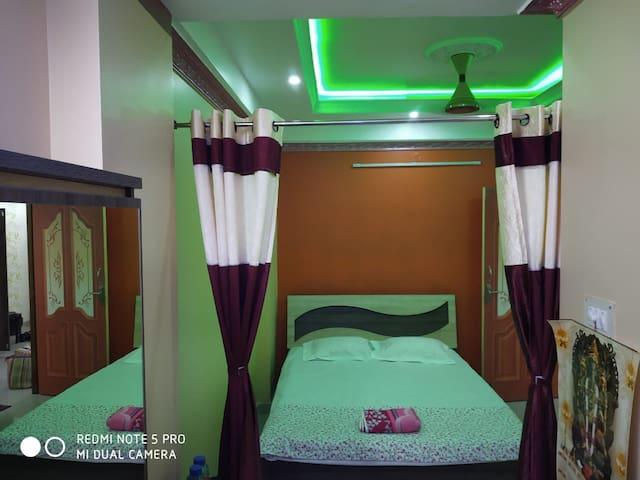 Poddar homestay (1BHK AC suite Flat) nabadwip