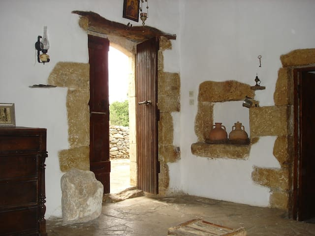 """Bendeni"" Authentic Cretan Cottage - Aptera - Huis"