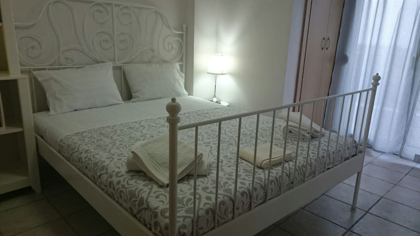 Relaxing maisonette,great view, great value for 6! - Pefkochori - House