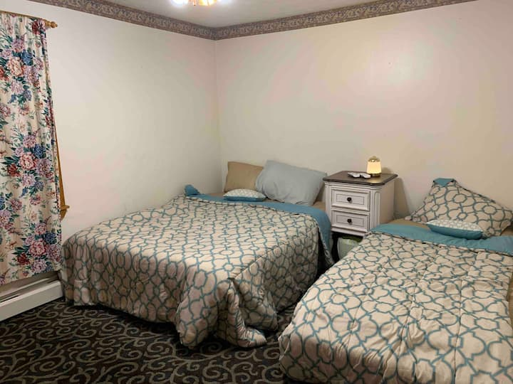 Close To Old Orchard Beach And Shopping Center