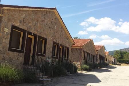 Apartamento 2-3 personas en Sierra Norte Madrid - San Mamés - Kondominium