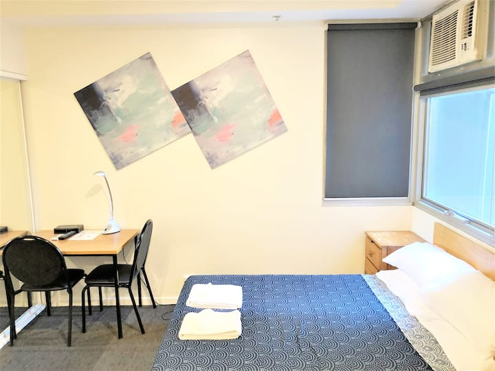 Amazing Studio apartment in the heart of Melbourne