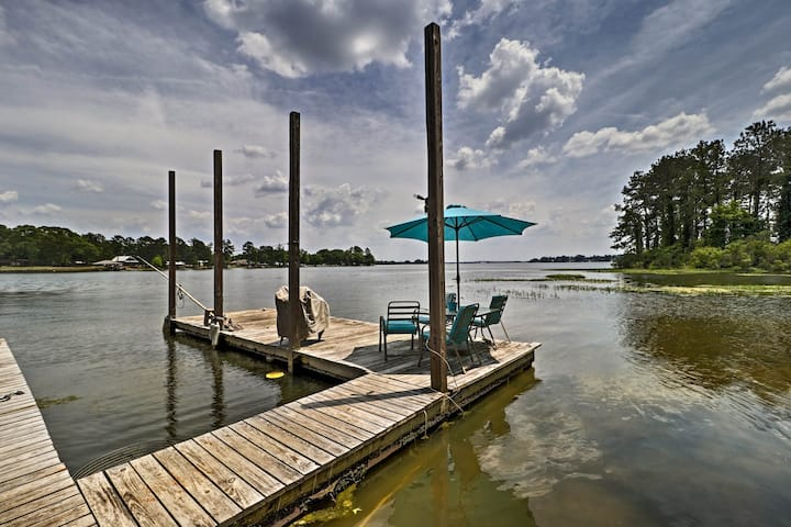 Home on Jordan Lake w/ Shared Dock & Boat Slip!