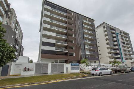 Modern 2BR Apartment  next to Westfield Chermside