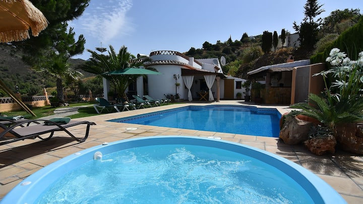 Charming villa in Frigiliana, 3 bedrooms
