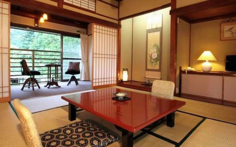 300 Year old Hot Spring Ryokan in Ashinoyu, Hakone【From 2 pax】【With meal】 箱根芦之湯で300年の歴史を誇る温泉旅館【2名様~】【朝食・夕食付】