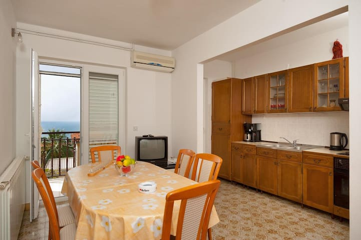 Apartments Radeljic / Four Bedrooms A1 - Podstrana - Appartement