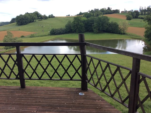 Chalet avec vue sur la campagne du Béarn