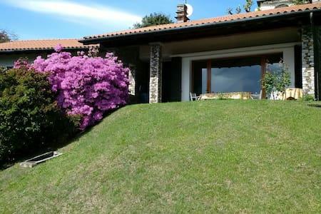 Panoramic villa - lake Maggiore - Cargiago
