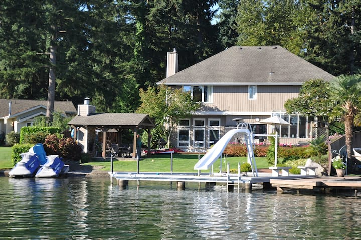 Lake Tapps Waterfront Home
