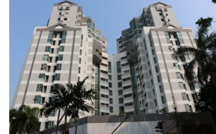 Apartment near Stasiun juanda rare size 130+m2