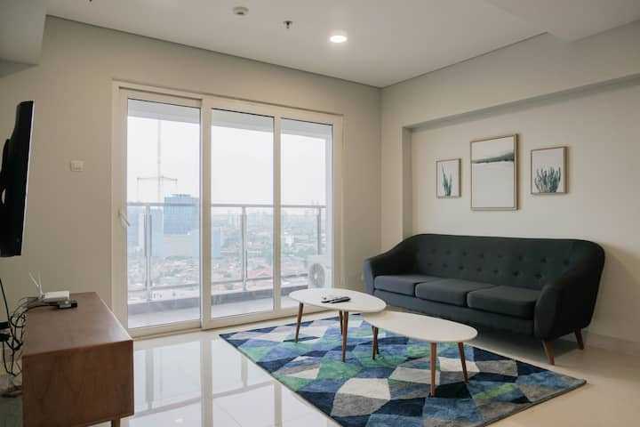 Big and Cozy 3BR Apartment at Maqna Residence