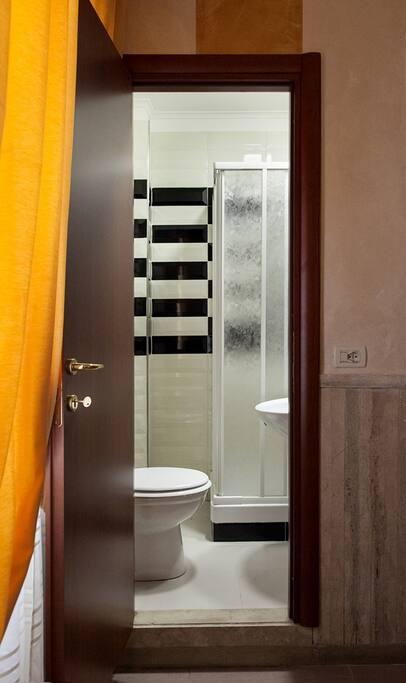 bagno nuovo con box doccia