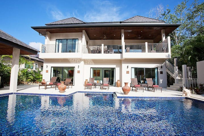 Waew Opal | 6 Bed Serviced Pool Villa in Nai Harn