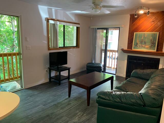 Centrally-located NW 1/1 Apartment