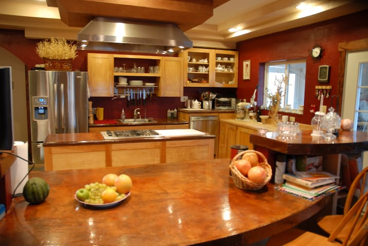 Luxurious house that handles a large crowd - Kalispell - Casa