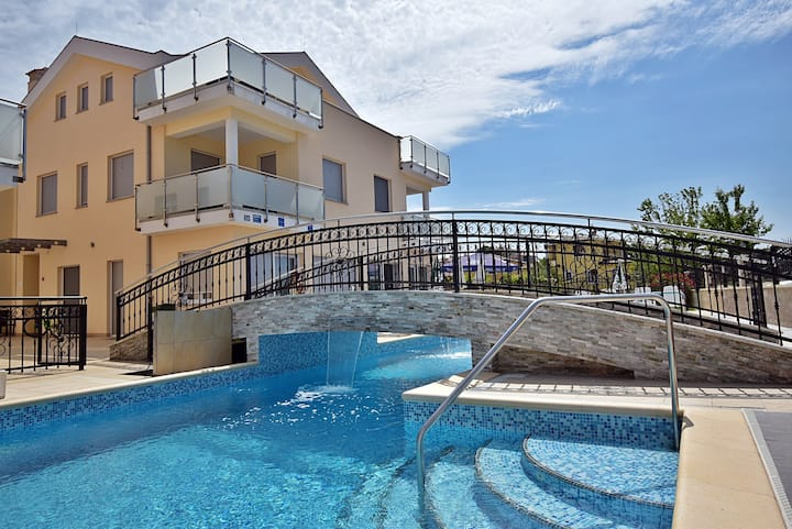 Apartments Funtana - Two Bedroom Apartment with Pool and Terrace - 813