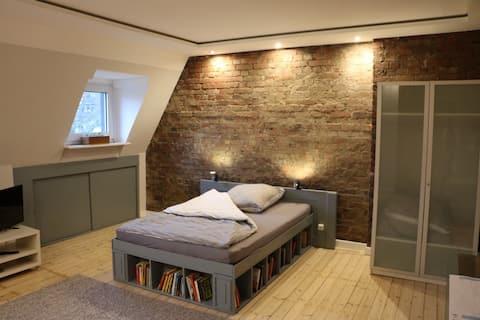 Girls only - Loftzimmer mitten in Witten