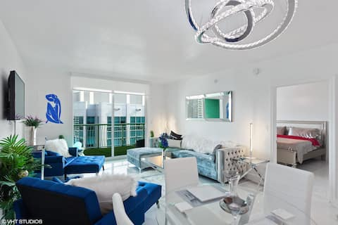 Penthouse on 43rd FL/BED ON BALCONY/Luxury Living