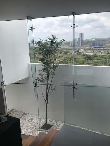 Casa minimalista en Milenio III