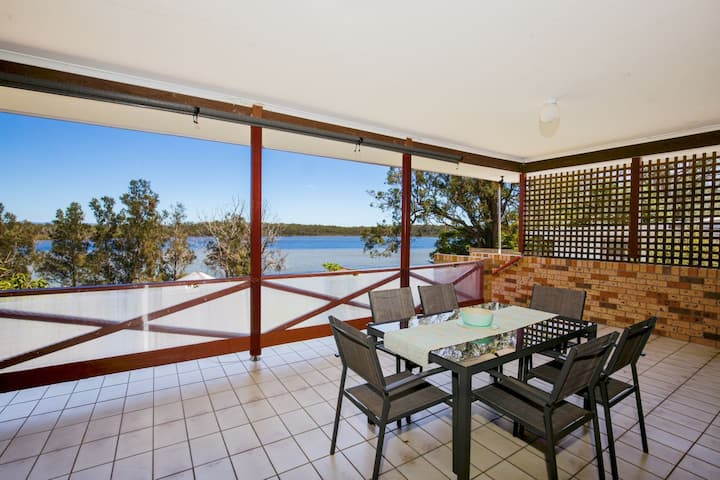 Bayview - Absolute Waterfront with Jetty - 5 Mins to Hyams Beach