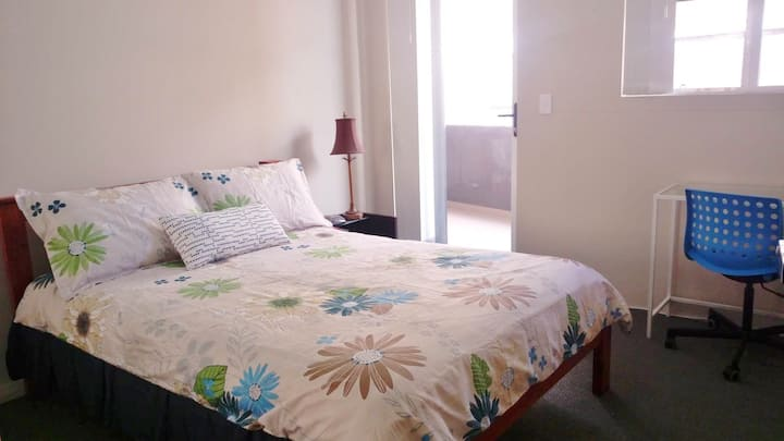 Granville comfy room 3min to train & bus, own bath