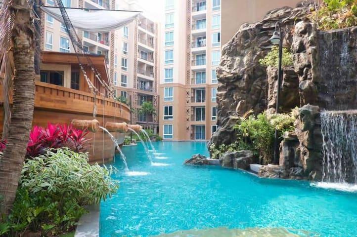 芭達雅泳池海景度假公寓