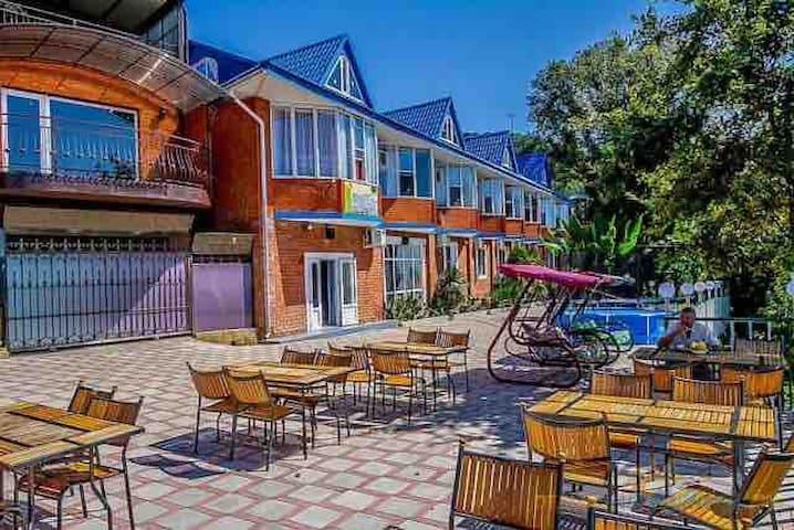 Отель Чемитка на берегу моря