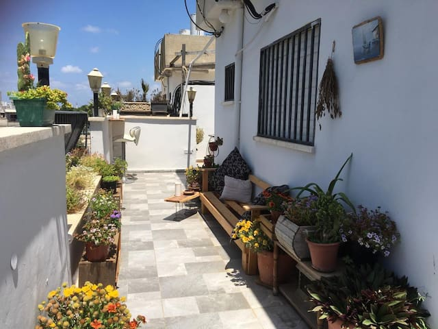 Unique Jaffa Rooftop - Sunny Private Room