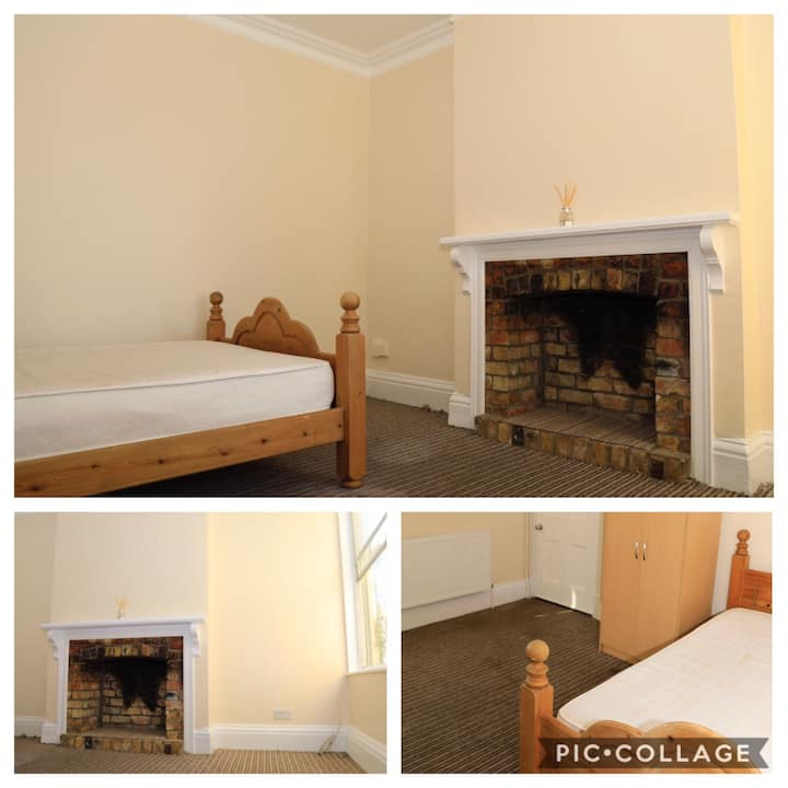 Clean Lockable Room For Two
