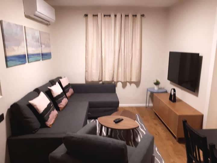 Designer One Bedroom Vacation House - lilit st