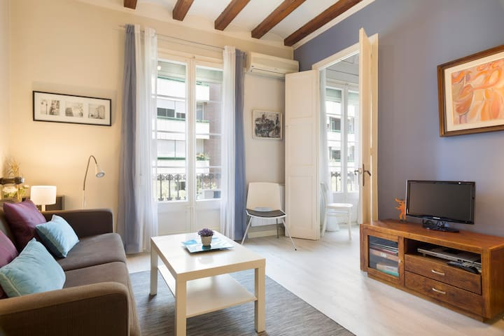 BARCELONA| CHARMING, CENTRAL, BRIGHT, 2-BEDROOM¤