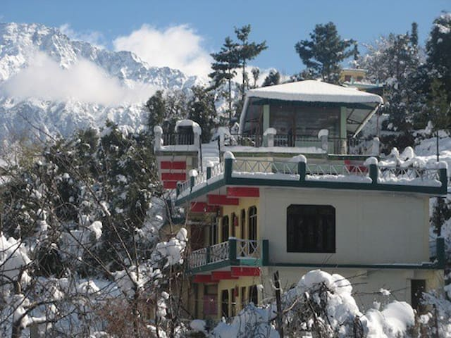 Two rooms with breakfast on Discounted prices Auli
