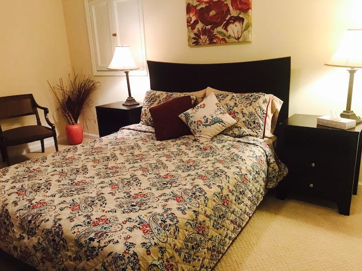 Queen bedroom with kitchen and shared bath Fairfax