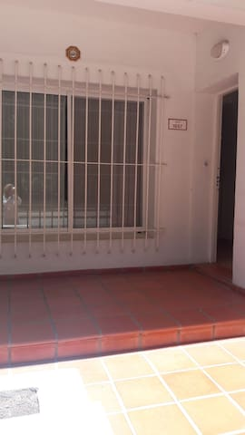 Alquilo Habitacion - San Fernando - Dům