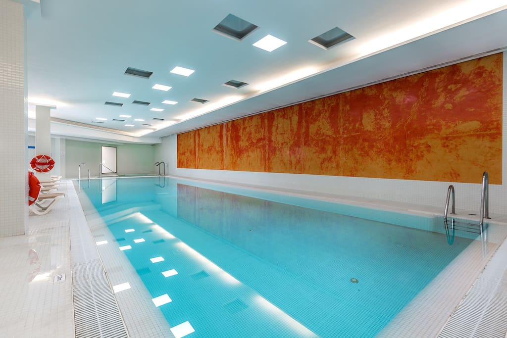 The development provides an large indoor swimming pool, jacuzzi, sauna, steam bath, gym
