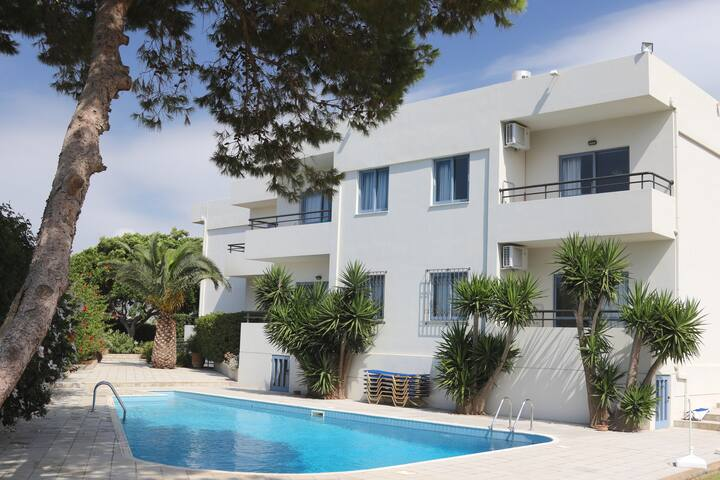 Elli Apartments with Pool View - Malia