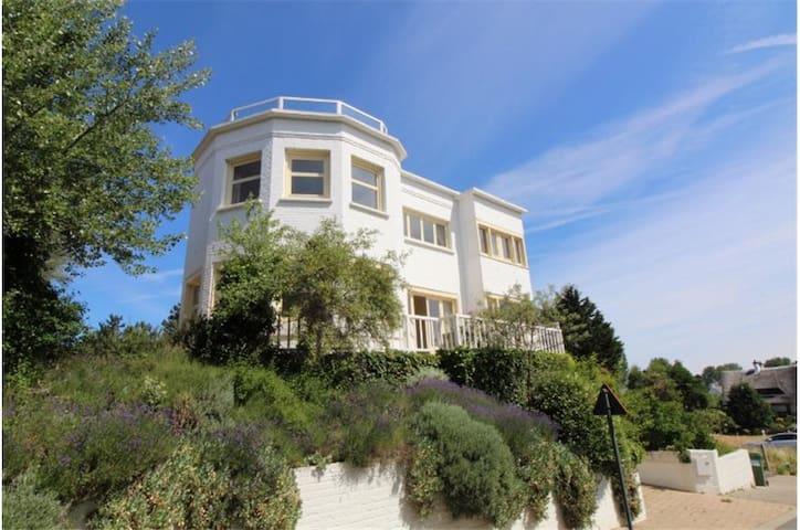 Gezellige villa dichtbij zee met uniek dakterras