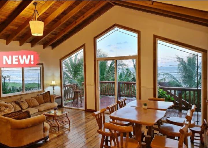La Villa Guesthouse in Corozal (Beach House)