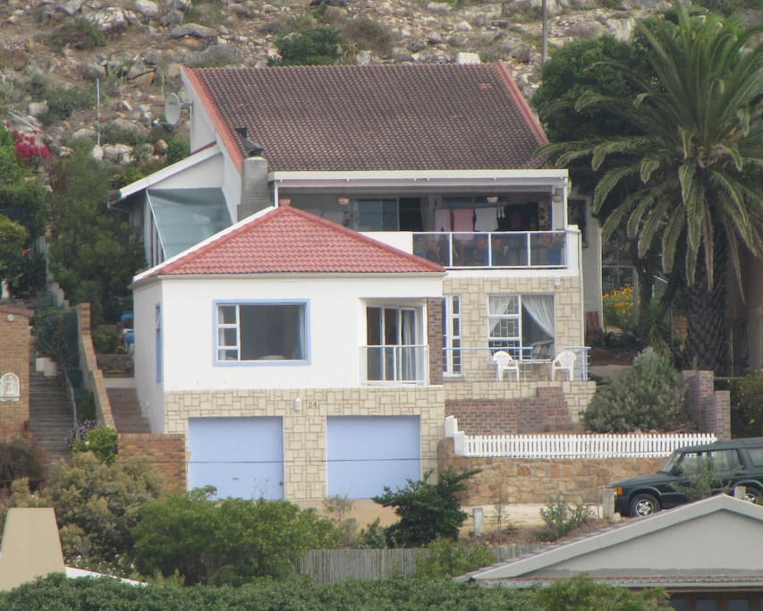 The White House @ Kommetjie
