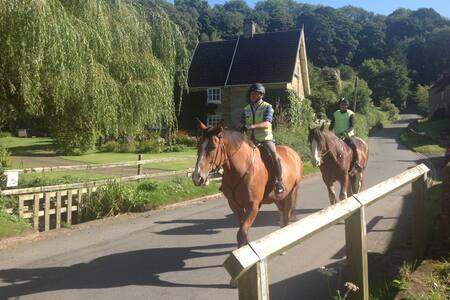 Lark Rise Cottage, BHS Horses welcome - Boltby