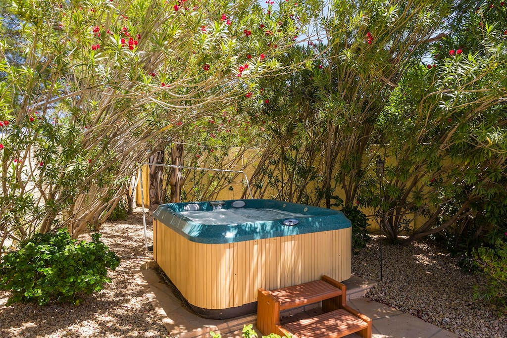 Relaxing hot tub with hydrotherapy jets available!